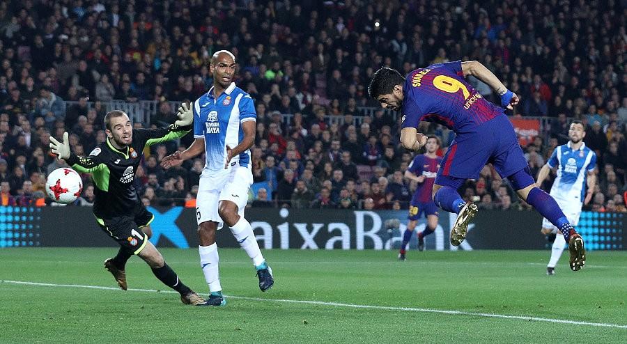 苏神梅西破门库蒂尼奥首秀,巴萨2-0西班牙人总比分2-1晋级