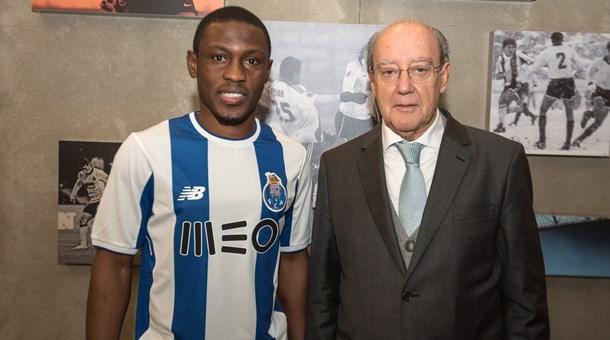 官方:洛里昂前锋马吉德-瓦雷斯租借加盟波尔图