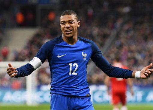 法媒:拉卡泽特缺席国家队,让姆巴佩拿到法国队10号球衣