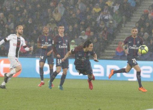 法甲综述-巴黎摩纳哥战平 里昂7连胜升至第2
