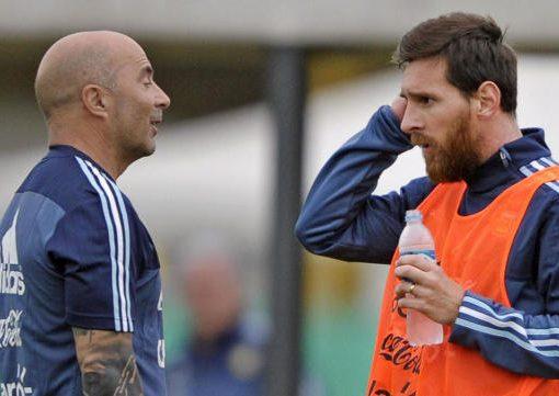 让梅西确定世界杯名单?阿根廷主帅抵达巴塞罗那进行密谈