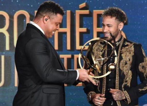 法甲颁奖礼巴黎成赢家:内马尔最佳球员+埃梅里最佳教练