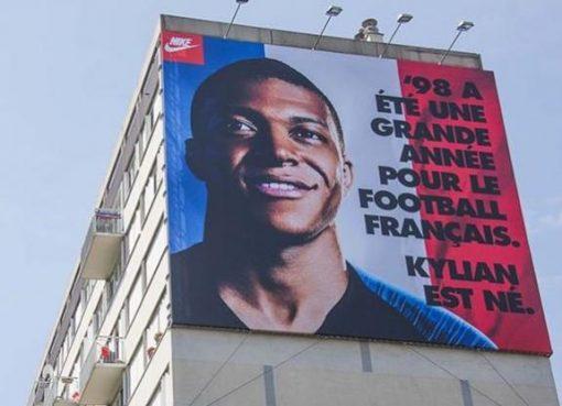 耐克广告语:98年对法国足球是重要的一年,姆巴佩出生