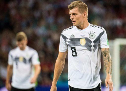 克罗斯:厄齐尔自己也知道德国队内没有种族歧视