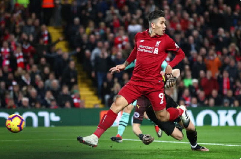英超-利物浦5-1阿森纳豪取9连胜 菲尔米诺戴帽萨拉赫传射