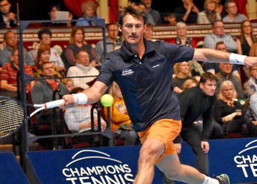 ATP元老冠军赛费雷罗轰12ACE 力克哈斯夺得冠军