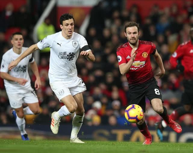 英超-曼联终止连胜 两球落后2-2平伯恩利 博格巴铁卫救主