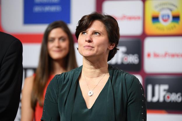 被拉比奥母亲批不作为,法体育部长:我们不干涉职业足球