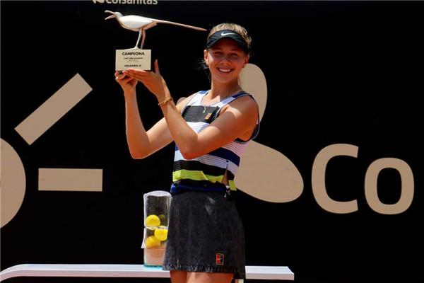 波哥大赛阿尼西莫娃决赛演逆转 夺得职业生涯首冠