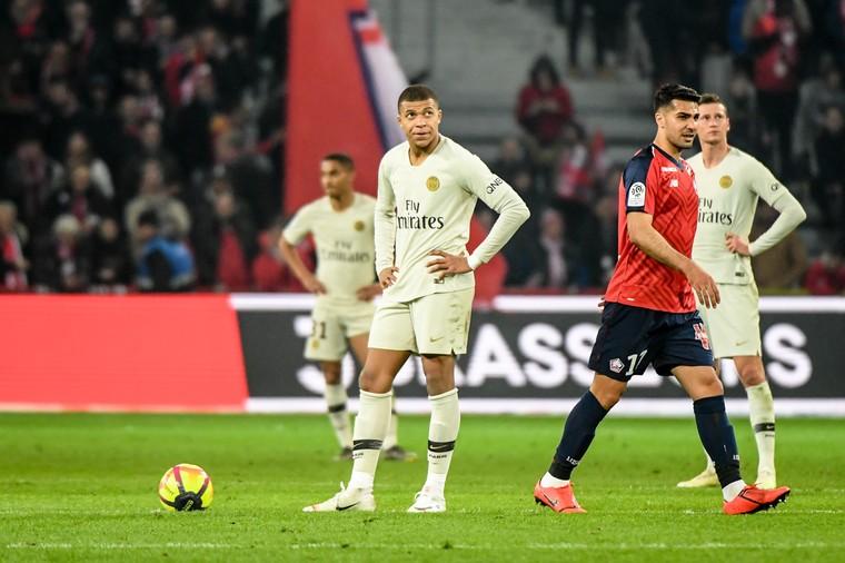 巴黎1-5惨败里尔法甲夺冠再推迟 中超旧将破门姆巴佩2球被吹