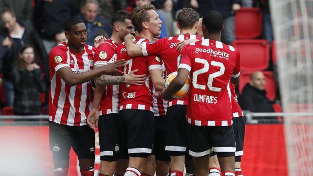 荷甲第28轮 PEC Zwolle0-3负于埃因霍温