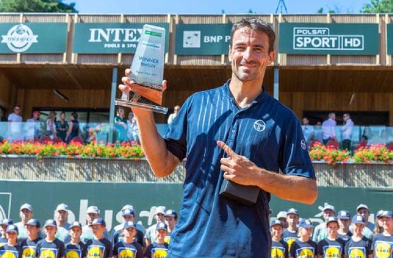 37岁罗布雷多斩获今年首冠 以色列老将夺第23冠