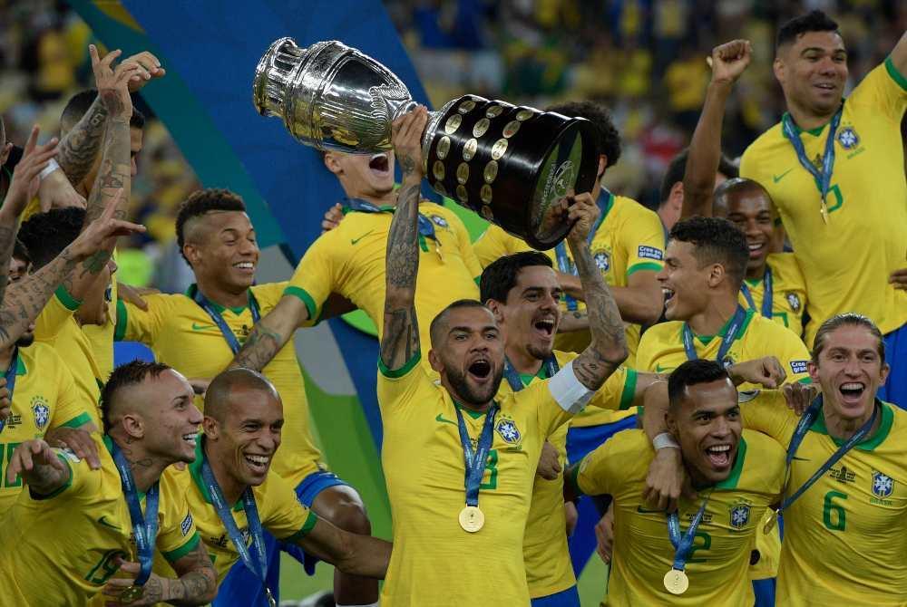 美洲杯-巴西3-1秘鲁时隔12年再度夺冠 热苏斯传射后染红