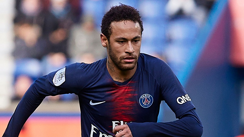 内马尔申请转会离队 巴黎警告别罢赛 但巴萨没钱只能2人交换