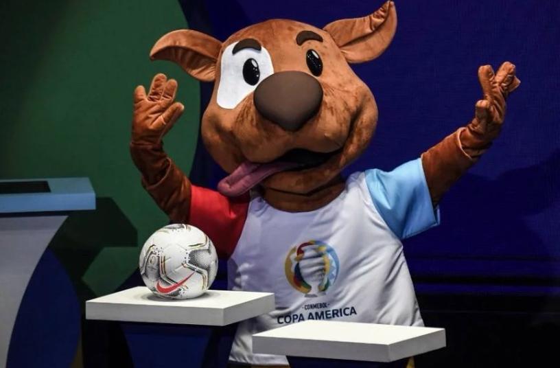 2020年美洲杯吉祥物Pibe亮相,代表闯入球场的小狗