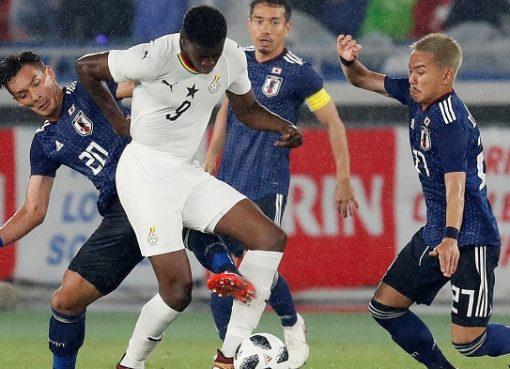 拜仁年轻前锋怀特上演加纳国家队首秀,将球衣送给妈妈