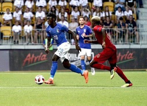 意大利18岁小将2分钟2球闪耀欧青赛 庆祝进球复刻巴神经典