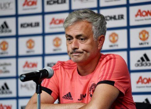每日镜报:葡萄牙足协正密切关注穆帅在曼联的执教状况